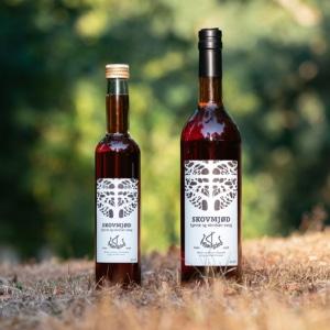 2 flasker skovmjød fra mjødgård