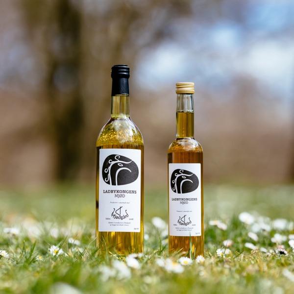 To flasker Ladbymjød fra mjødgård